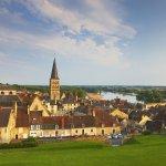 Europa , Frankreich , Jakobswege , Via Lemovicensis , Burgund , Dept.Nièvre , La Charité-s-Loire , Loire-Bruecke , Kirche und ehem. Kloster Notre-Dame