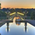 Hausboot , Pont-Canal de Briare , Canal latéral à la Loire , Briare , Dept. Loiret , Region Centre , Frankreich