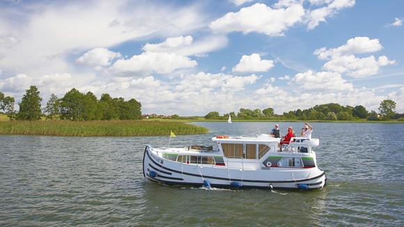 Hausboot mieten karinmerkle hausboote for Klassisches hausboot mieten